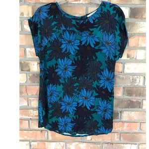Ann Taylor LOFT Top.   Large